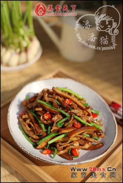 香干炒肉丝青蒜金针菇与洋葱可以一起烧吗图片