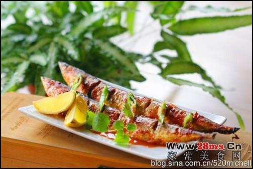 韩式辣烤秋刀鱼的做法(海鲜家常菜-寒冬最给力的下酒菜)