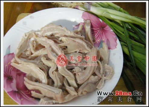 教您大蒜猪肚图解的家常做法,如何做大蒜猪肚图解才好吃