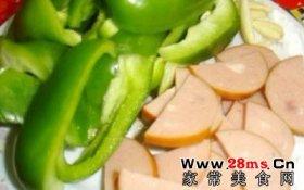 圆椒炒火腿肠