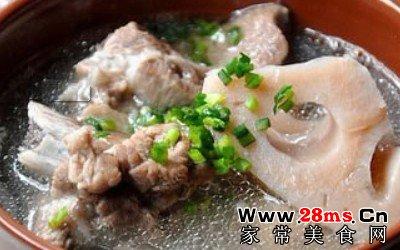 莲藕炖猪脚汤的做法_莲藕猪脚汤的家常做法 - 家常美食网