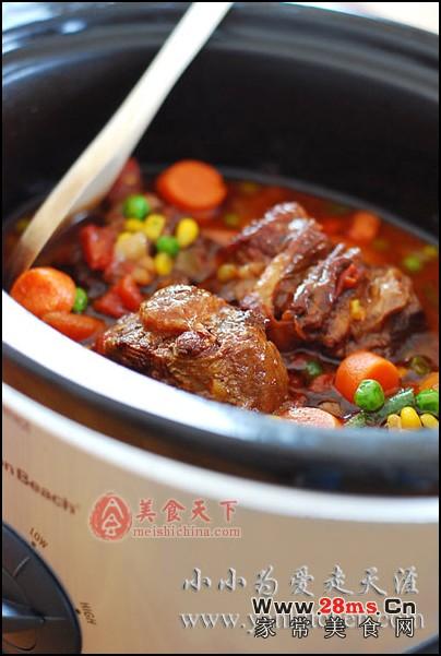 牛尾火锅图解的做法 无花果甜芋炖牛的做法 红酒烧牛尾图解的做法