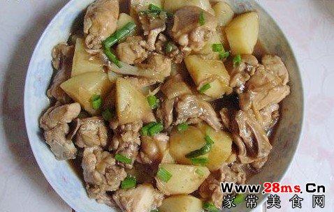 焖土豆鸡的做法