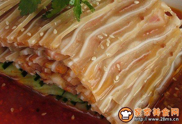 凉拌猪做法的耳朵_做凉拌猪耳朵_做炒金针菇菜谱图片