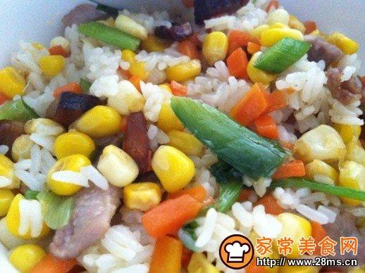 玉米粒炒饭的做法_怎么做玉米粒炒饭