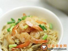 虾仁杂菜炒面