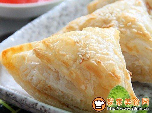 咖喱角是东南亚地区常见的小吃