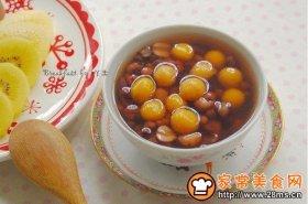 红豆莲子南瓜小丸子汤