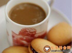果酱夹心蛋黄饼干