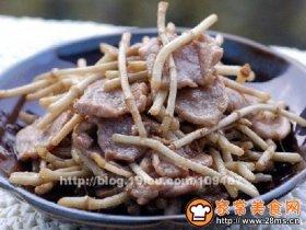 折耳菜炒肉片