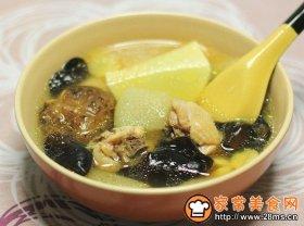 姬松茸竹荪菌菇鸡汤