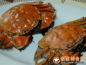图文解释怎么吃大闸蟹