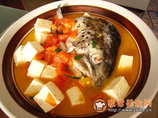 三文鱼头豆腐汤的做法_怎么做三文鱼头豆腐汤