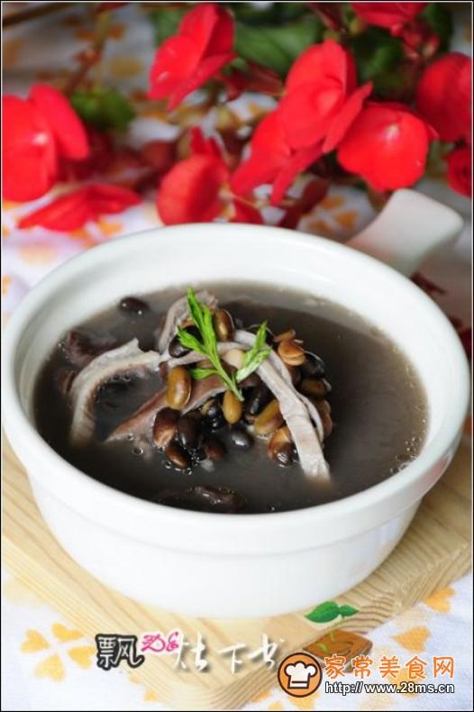 猪肚 >黑豆猪肚汤的做法    黑豆猪肚汤做法简单是猪肚做法大全的常见