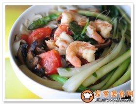 西红柿虾球芦笋汤面