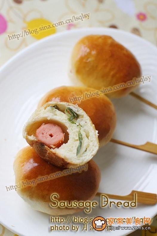 艾蒿香肠小面包的做法
