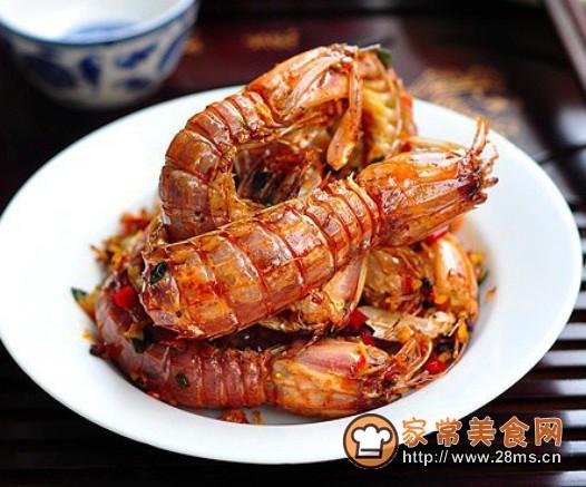君之烘焙之蛋糕_椒盐濑尿虾的家常做法 - 家常美食网