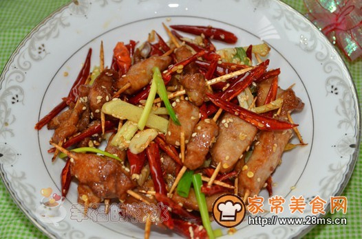 土豆丝烧牛肉过程_香辣牙签肉的家常做法 - 家常美食网