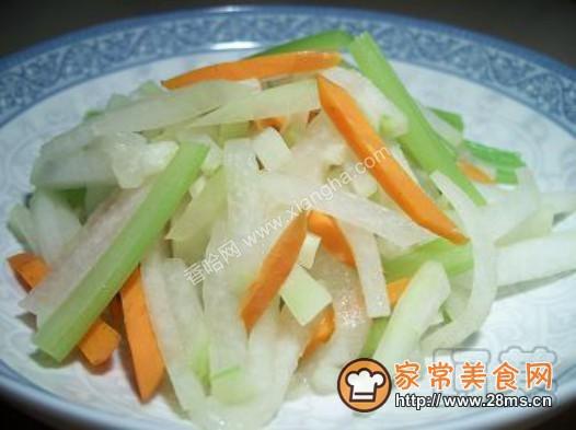红萝卜冬瓜炒芹菜的做法