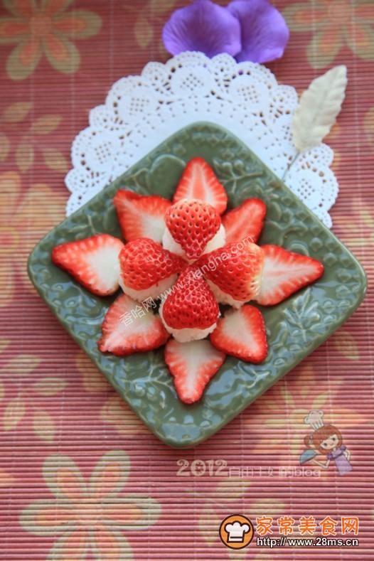 草莓水果饭团的做法