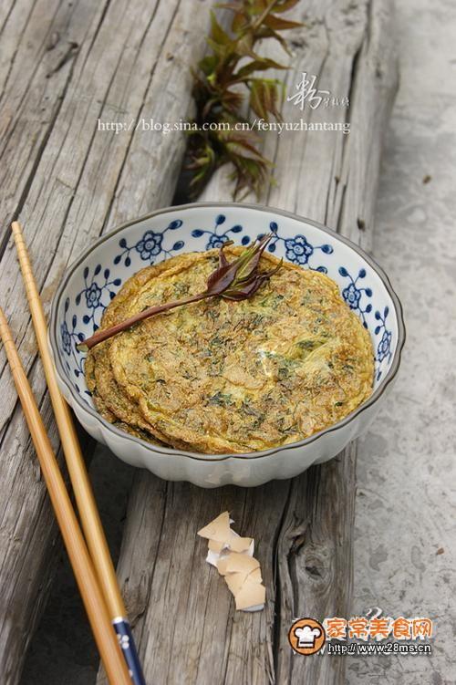 香椿煎蛋的做法 美式煎蛋饼的做法 方便面煎蛋饼的做法 炸香椿的做法