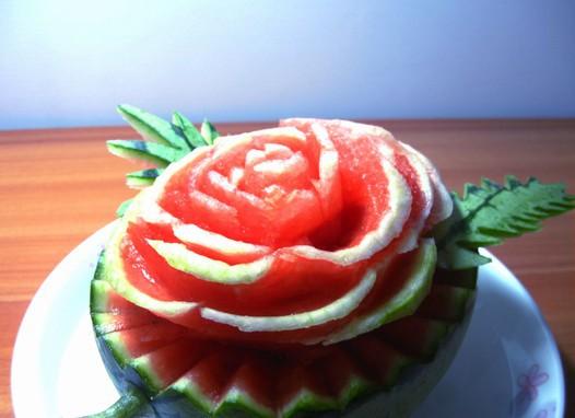 西瓜玫瑰花的做法