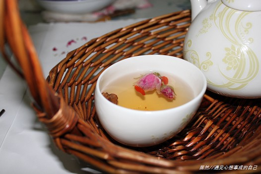 美食网为您提供红枣枸杞玫瑰花茶的家常做法大全,只要按照图文步骤