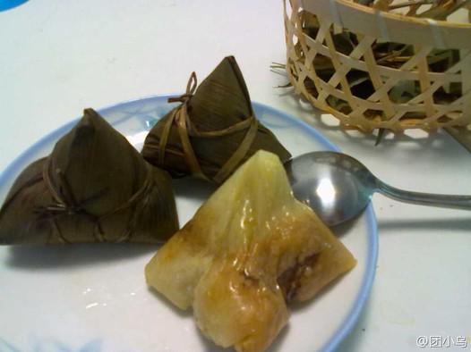 咸蛋黄鲜肉粽子的做法