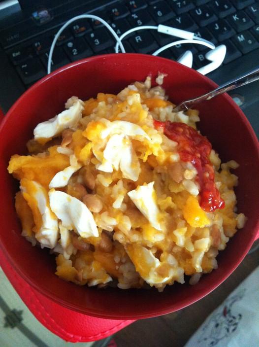 糙米番薯咸鸭蛋纳豆饭的做法
