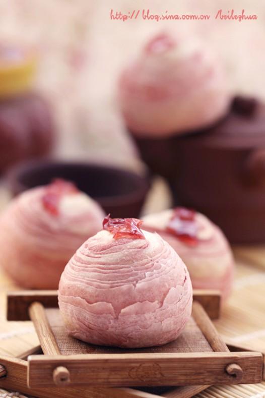 玫瑰蛋黄酥的做法