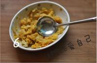 咸蛋黄�h虾的做法步骤5
