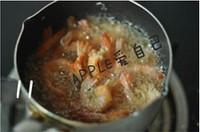 咸蛋黄�h虾的做法步骤10