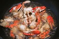 蛋黄�h螃蟹的做法步骤2