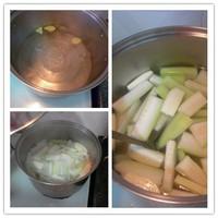 长寿瓜咸蛋汤的做法步骤5