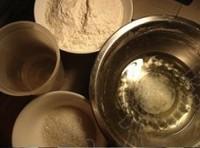 蛋黄酥(色拉油版)的做法步骤1