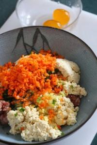 咸蛋豆腐蒸肉饼的做法步骤3