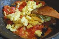 炒三色蛋的做法步骤7