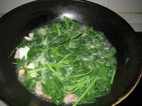 咸蛋肉片苋菜汤的做法步骤6