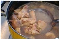 啤酒泡菜鸡的做法步骤1