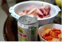 啤酒泡菜鸡的做法步骤2