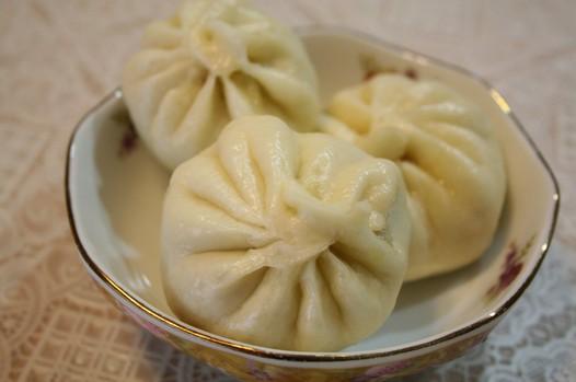 家常美食网 植物菜单 芹菜 >芹菜馅包子的做法