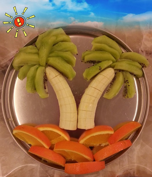家常美食网 植物菜单 香蕉 >海岛风水果拼盘的做法    一,将香蕉切掉
