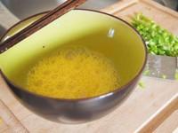 辣椒炒蛋的做法步骤2