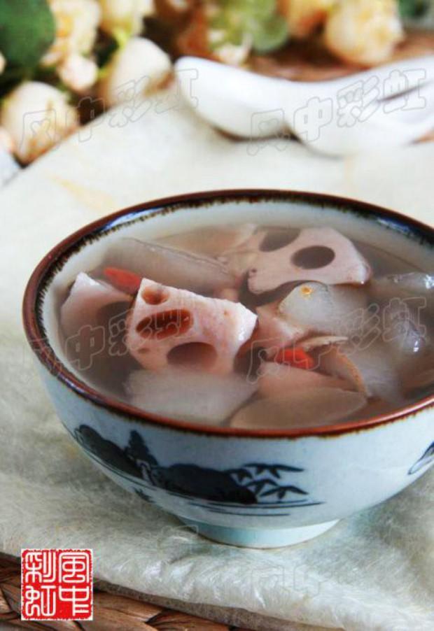 梨藕百合汤的做法