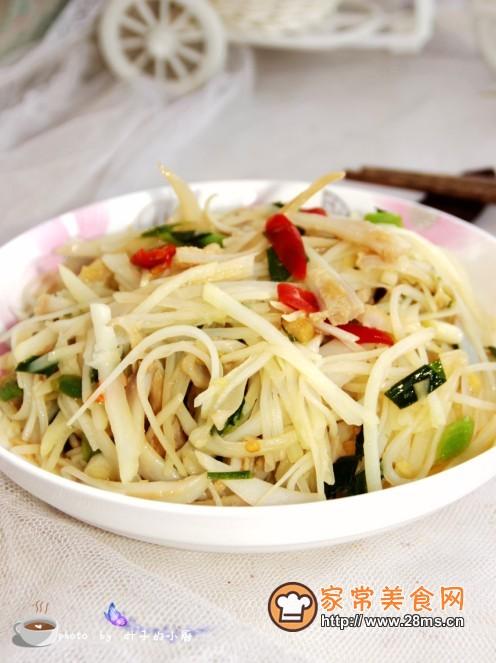 只要按照图文步骤,菜鸟都能做出美味脆骨炒土豆丝!