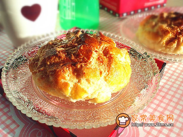做面包的乐趣还在于可以随意变换各种造型和各种馅