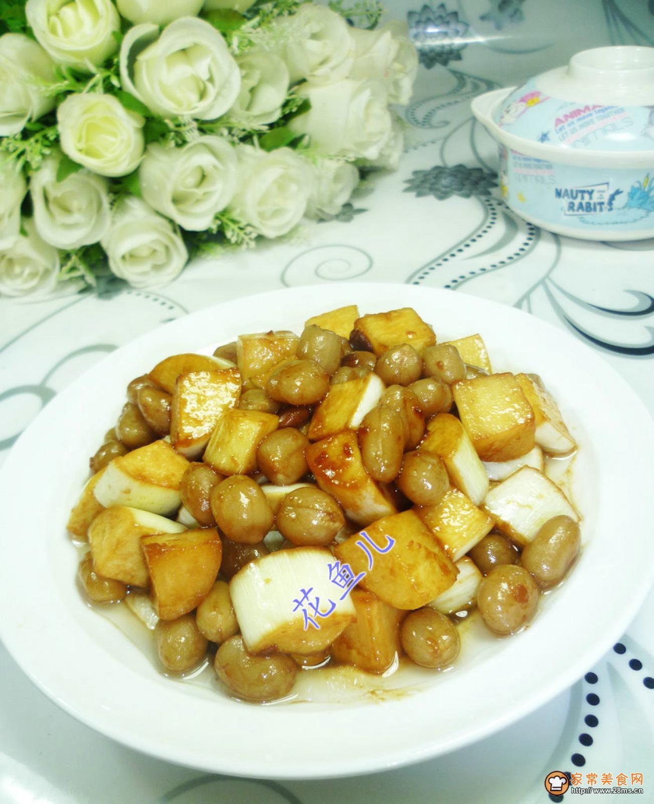 花生米炒茭白的做法