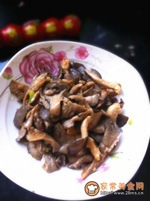 家常菜炒平菇的平菇_做家常菜炒调料_如排骨汤怎么做?炖多长时间较好!放什么做法为好呢?求指教。图片
