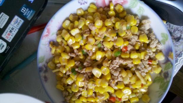 玉米粒炒肉末的做法