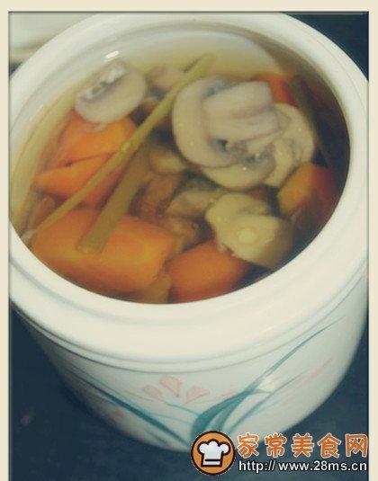 做法做法汤的蘑菇_做牛肉蘑菇汤_做洗羊肝牛肉图片